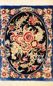 サイズ45×28cm silk100% フラワー クム産105,000円(税込)
