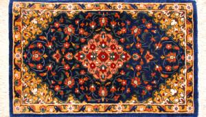 サイズ40×24cm<br> silk100%<br> メダリオン<br> クム産73,000円(税込)