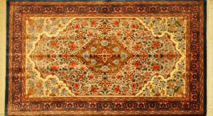 サイズ135×79cm<br> silk100%<br> ブルーメダリオン<br> クム産<br> ミールマハディ工房450,000円(税込)