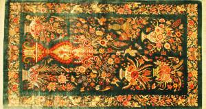 サイズ148×78cm<br> silk100%<br> ゴールダーニ(鳥と花の楽園)<br> クム産<br> ワァッファイ工房1,050,000円(税込)