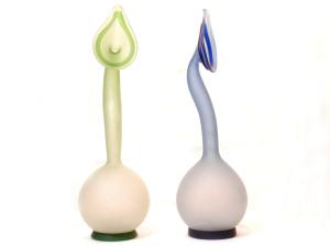 涙壺(女性が涙をためたといわれる壺)<br> 置物、飾りとして。一輪挿しにも。<br>サイズ 高さ34cm×幅10cm  4,500円(色違い ブラウンもあります)