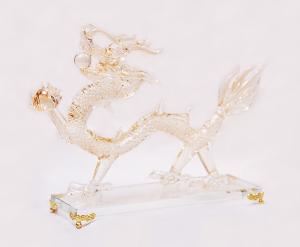 運気をあげる、縁起のよい置物<br> 手作りドラゴン(ゴールド)<br>サイズ高さ18cm 幅7cm 長さ25cm 12,800円<br>