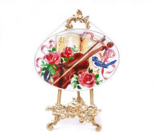 手描きアートガラス<br>「バイオリン」<br>サイズ 高さ16cm 幅23cm 4,500円<br>
