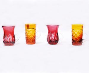 ボヘミアグラス<br>赤 サイズ高さ9cm 直径6cm<br>黄色 サイズ高さ10cm 直径5cm<br>通常価格11,550円のところ → 限定50点 3,980円(売切御免)