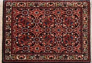 サイズ75×50cm<br> wool&silk<br> フラワー<br> ビージャール工房75,000円(税込)