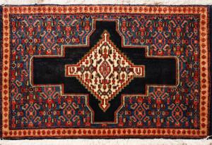 サイズ87×60cm<br> wool&silk<br> メダリオン<br> ビンテージ1960年製<br> ワラミン工房85,000円(税込)