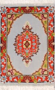 サイズ45×31cm<br> wool&silk タブリーズ産<br>31,500円(税込)