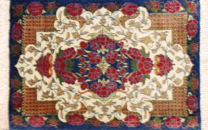 サイズ40×27cm<br> silk100%<br> メダリオン<br> クム産72,000円(税込)