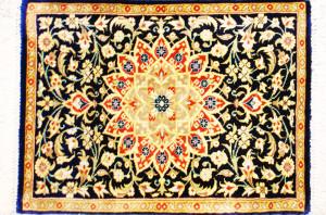 サイズ45×29cm<br> silk100%<br> ブルーメダリオン<br> クム産58,500円(税込)