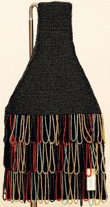 ビーズを編んで作ったバッグ。数量限定。 サイズ高さ32×幅17cm 13,500円