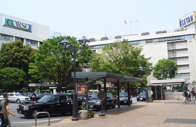 JR浦和駅西口の風景
