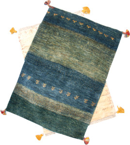 (上)サイズ92×62cm<br> 緑<br> 97,000円<br><br>  (下)サイズ90×57cm<br> 白<br> 48,000円
