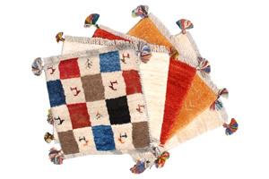 遊牧民の手織絨毯=ギャッベ